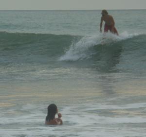 Canoa surfer